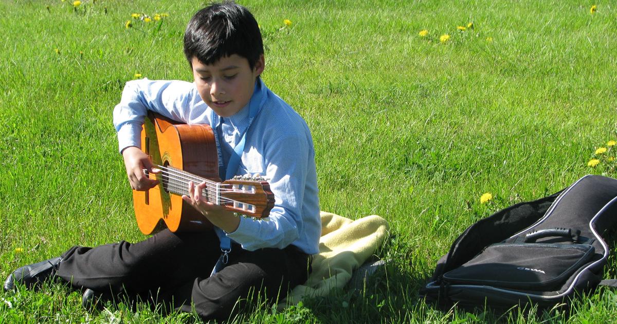 Francisco Vasquez kitaraleirillä vuonna 2009